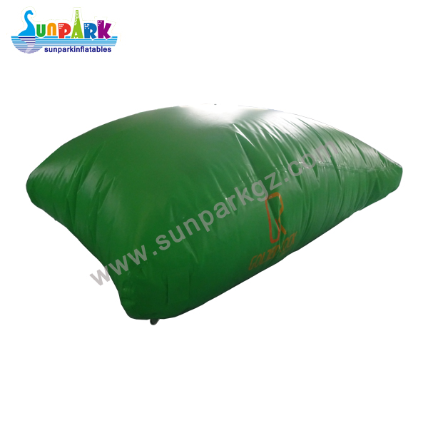 Inflatable Water Blob (1)